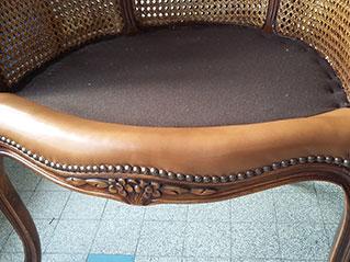 changement de l 39 assise d 39 un fauteuil de bureau la maison. Black Bedroom Furniture Sets. Home Design Ideas